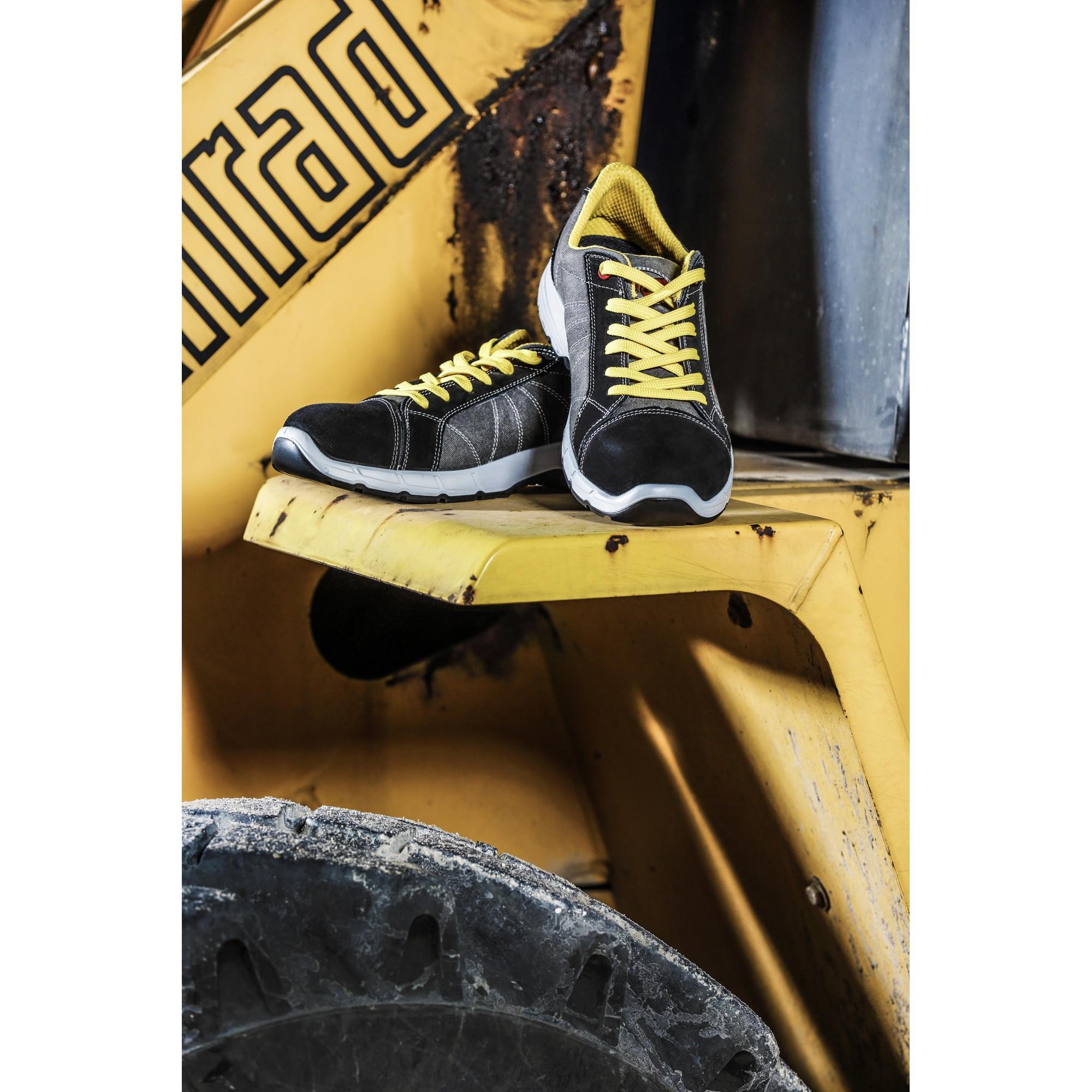 competitive price acf3a ab021 TRIUSO Qualitätswerkzeuge GmbH | Abbigliamento da lavoro ...